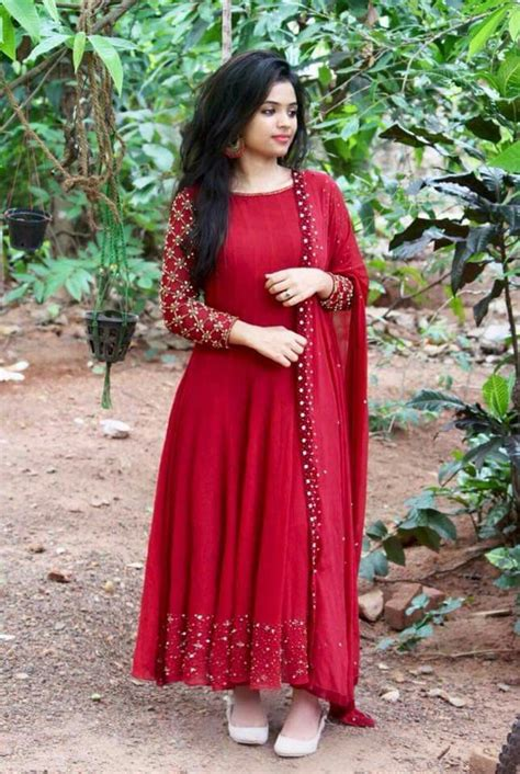 Pin by Abee on Classy Salwars | Dress indian style, Indian
