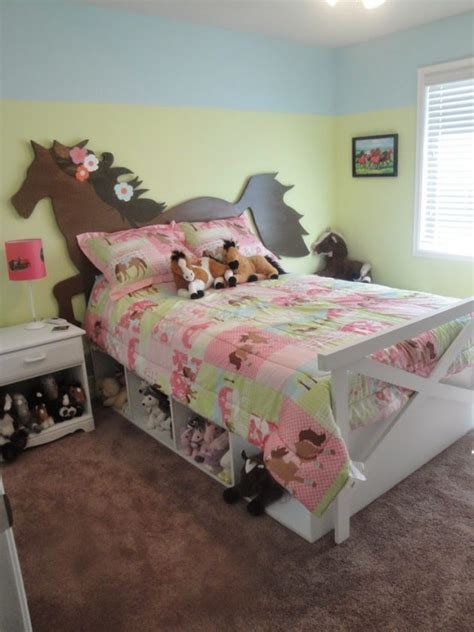 19 Most Attractive DIY Headboard Designs To Cheer Up The