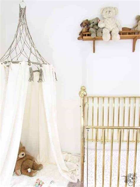 Make this adorable macrame tent for your own boho decor