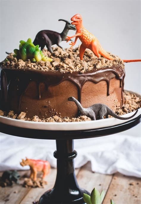 We love this Chocolate Chips Ahoy Dinosaur Cake, complete